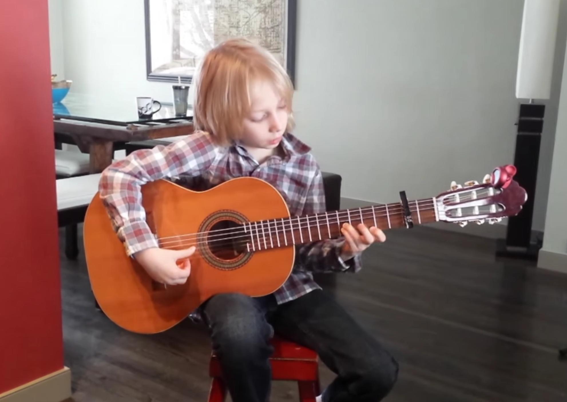 8-year-old-flamenco-guitar