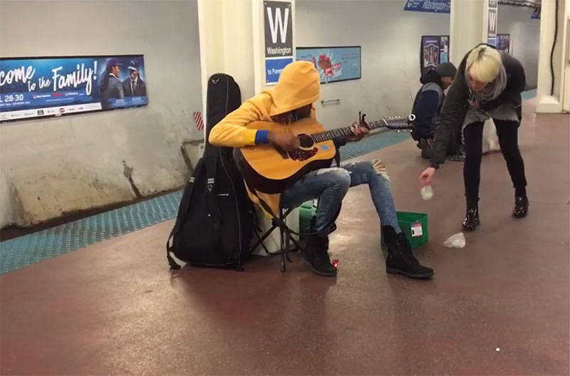 subway-performer-chicago-slim-mills
